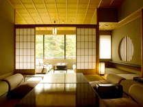 鶴仙渓の渓谷美を望む坪庭付き客室一例