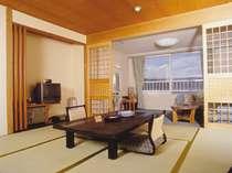 四季折々の阿寒湖の景色をお楽しみ頂ける湖側客室です。