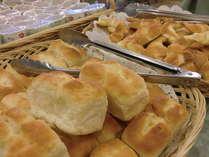 朝はパン党?ご飯党?しっかり食べて1日がんばりましょう!*セットメニュ-の場合もございます。