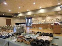 「朝食バイキング会場」1日の元気は朝食から!*セットメニュ-の場合もございます。