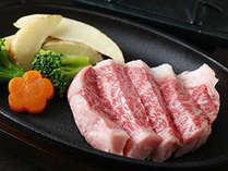 北海道産黒毛和牛ステーキは、とろける味わい
