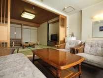 ◆湖側和室10畳~阿寒湖を望む人気のお部屋です。