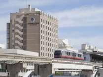 ゆいレール「旭橋駅」の目の前に位置しています。
