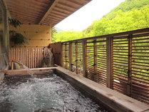 """*露天風呂/心地よい風を感じながら名湯""""塩江温泉""""に浸かる贅沢なひと時。"""