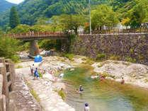 【夏の川遊び】塩江は自然がいっぱいで涼しく、川遊びも楽しめます。