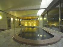 【温泉・女湯】美肌の湯といわれる塩江温泉。化粧水のようなとろっとしたお湯です。