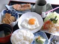【朝食例】実は、コシヒカリの誕生は、福井県。おいしい炊き立て御飯と、和定食。朝から元気ハツラツ。