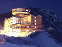 冬の夜、パノラマ展望台から望むノイシュロス小樽