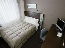■ダブルエコノミー客室画像 2名仕様 ☆お二人でもゆったり140cm幅のベッド