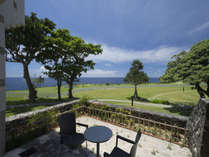 ガーデンツイン<愛犬と宿泊可能>【40平米】人気のコーナールーム(角部屋)で小さなお庭付き。