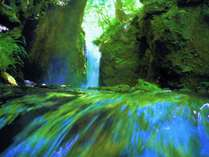 涼音響く竜返しの滝 白糸の滝から車7分 photo by zephyrus-8bankan
