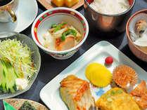 【朝食】家庭的な食事です。