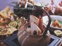 """松茸のうま味が凝縮されたお出汁をどうぞ!""""松茸土瓶蒸し(イメージ)"""""""