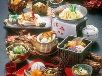 松茸の土瓶蒸し、松茸ごはんなど…秋の味覚をがつまった会席料理。料理イメージ