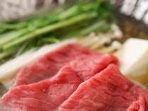 料理長が厳選した和牛です。やわらかいお肉を熱々のお鍋で。