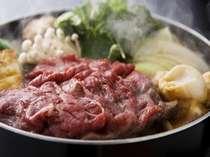 [自家製すき焼き鍋]料理長が厳選した岡山和牛を特製のわりしたでどうぞ。