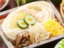 【かたくり素麺】小豆島が発祥地。そうめんより太麺でもちもち・つるつるの食感がお楽しみいただけます。