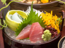 季節ごとに替わる『美味少量の会席』イメージ。料理長が厳選した食材を丁寧に調理します。