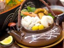 【秋の宝石箱会席】松茸の土瓶蒸し:これぞ秋味の王様!今しか食べることが出来ない旬を感じる!