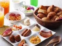 朝食はバイキングだからお好きなものをお好きなだけ。