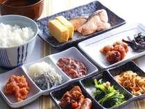 和食派の方にもご満足いただけるよう和のお惣菜も豊富にご用意。