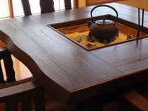 テーブル式囲炉裏