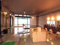 女性大浴場「婦楽湯」内湯は大理石と檜の2つをご用意しております。