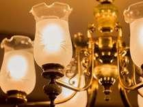上品な輝きを放つ客室ライト