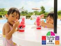 【海を眺めるガーデンプール】プールサイドで『かき氷』♪リゾートで楽しい夏休み(写真はイメージ)♪♪