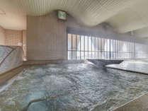 *【温泉大浴場】海が見える大浴場は、深層から湧出するとろとろの湯触りの天然温泉です
