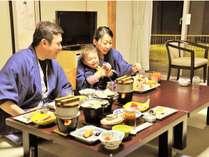 お子様連れでも安心の和室お部屋食です。
