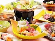 ご夕食一例、海鮮和食を中心とした10品ほどの献立です(※写真は春夏の献立になります)