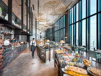 ご朝食は、最上階・40階「アトモス・ダイニング」の全60種類のメニューをお楽しみいただけます。