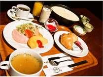 【朝食バイキング付 和室4.5畳 日本人ならやっぱり畳でしょ】約30種類の和洋バイキング朝食付プラン