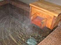 草津温泉100%かけ流しの温泉です。貸切お風呂で身体の芯まで温まってください。