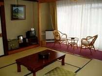 本館和室8畳+カーペット2畳