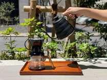 クレバードリップでコーヒーを抽出します。