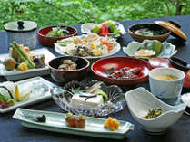 【精進料理 一例】安来・清水寺境内の宿、松琴館主人自慢料理です。