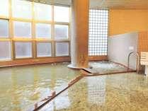 *女性用大浴場一例/湯量豊富で効能抜群!源泉かけ流しの天然温泉がたっぷりと注がれています。