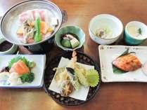 【基本7品】夕食はお部屋食でのんびり♪あきたこまちと栄養バランス◎和食膳/2食付