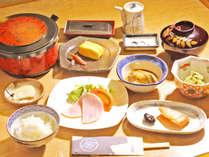 *ご朝食一例 軽井沢産ハム/信州産野菜の小鉢・お米など地元の食材にこだわっております。
