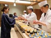 もちろん新しいレストランでも寿司コーナーは健在!