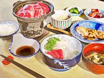 【夕食の一例】おいしくいただけるように心を込めて調理いたします。