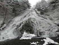 湯滝冬景色