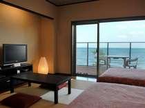 和洋室(お風呂なし)寝起きのしやすいベッドでの寛ぎと畳の感触を味わえるお部屋。