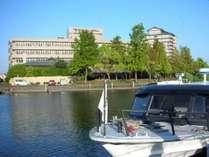 ホテル近くのおごと港からはびわ湖のお散歩クルーズも楽しめる♪