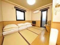 和室3名様用グループやファミリーに便利な和室です。