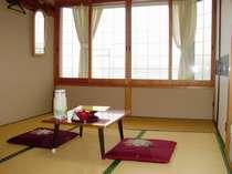 男体山と中禅寺湖が、お部屋から一望できます。