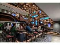 1Fバーエリアにて毎日17時半よりフリービールのサービスがあります。