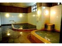 二種類の源泉が楽しめる内風呂
